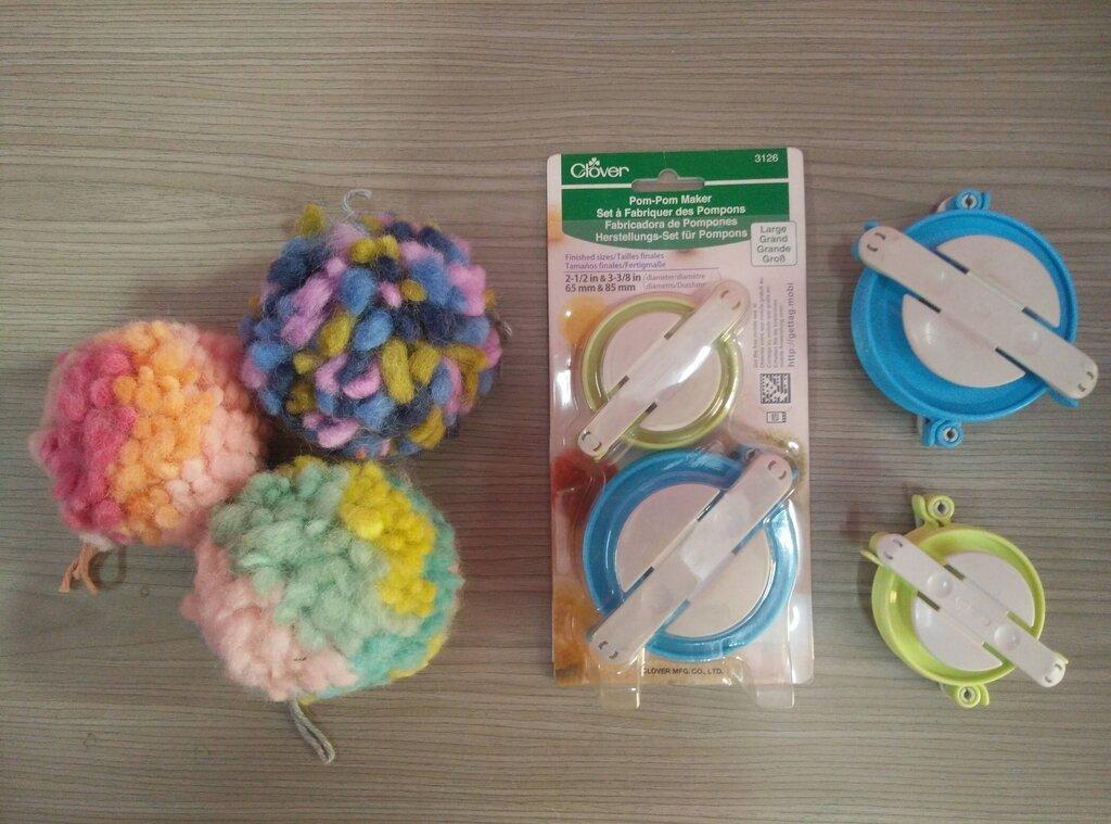 Multicolored Pom Pom and Clover pompom maker - Rochak Handknit